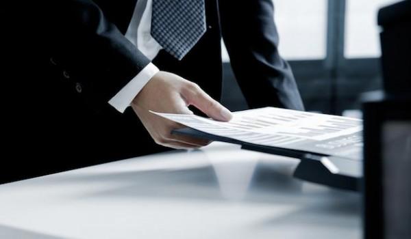 Como proteger informações físicas e digitais em ambientes de impressão